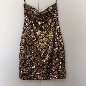 Sexy strapless sequined mini party dress